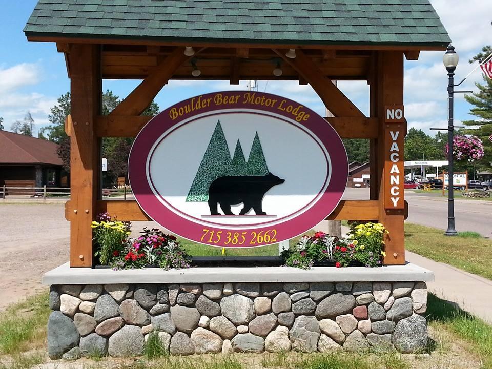 boulder-bear-motor-lodge-sign